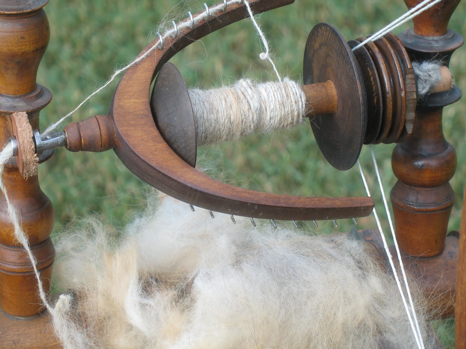 Как прясть собачью шерсть: приспособления и методы в 89