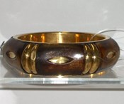 JAB104-Gold Trim Bangle