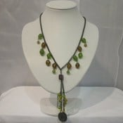 AEN131- Crystal Bead and Leaf Necklace