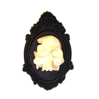 Three Dimensional Skull Frame Brooch WAS £12 NOW £6