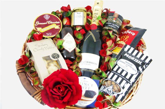 Wedding Gift Delivery Sydney : email to a friend congratulations gift basket exclusive gift basket of ...