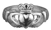 S2271  - Ladies Heavy Traditional Claddagh Ring