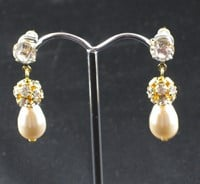 SE200 - Swarovski Cream tear drop earrings and Swarovski diamonte bead gold earrings