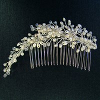 R35779 - Freshwater pearls and Swarovski crystal comb
