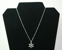 Anna - Swarovski flower pendant necklace