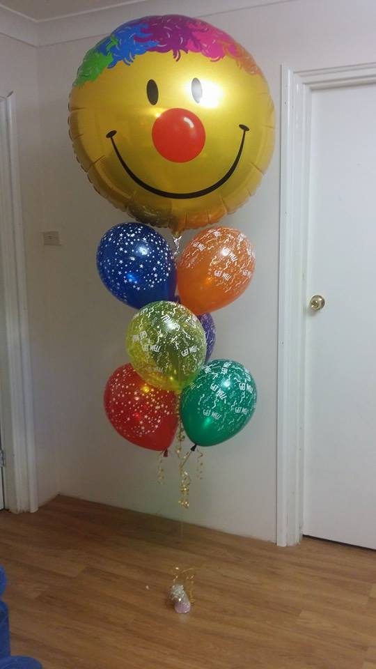 Jumbo Smiley Balloon Bouquet