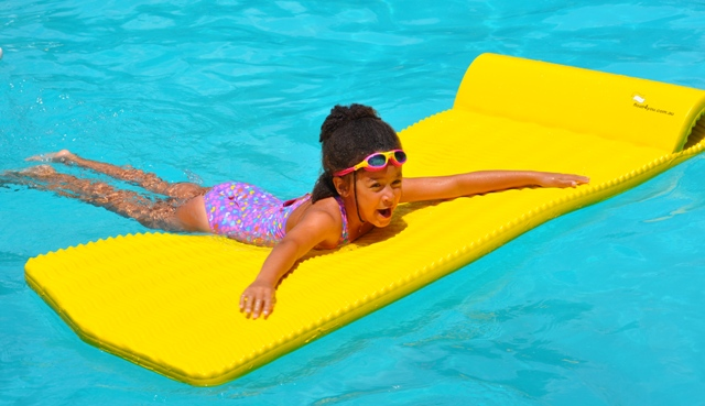 Flex float amazingly buoyant puncture resistant mat a for Pool design must haves